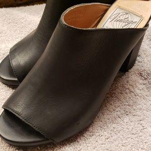 Jeffrey Campbell black leather mules, sz 8